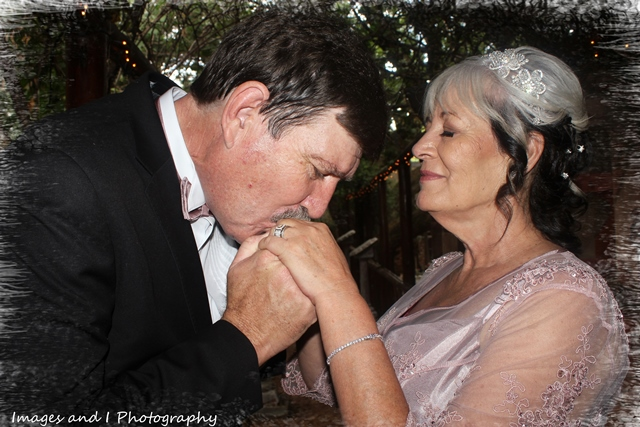 Kissing Wedding Photography | Photoshoots Pretoria